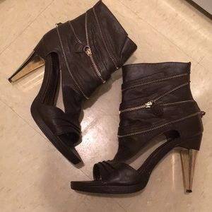 Brown and gold Peep toe high heels with zippers